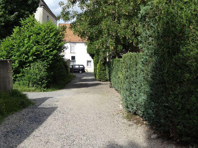 Weg zum Wohnhaus 2