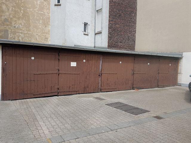 5 Garagen
