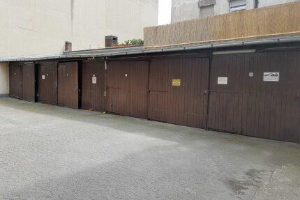 8 Garagen