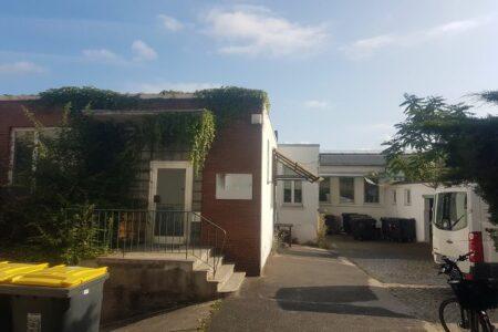 Gewerbehalle mit Büroräumen und 3 Garagen
